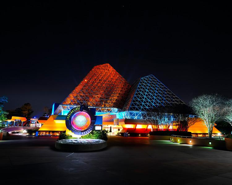 Walt Disney World 30s, at f/9.5    E.Comp:0    24mm    WB: AUTO 0.    ISO: 200    Tone:     Sharp:     Camera: NIKON D700on: 2010:01:06 20:53:29