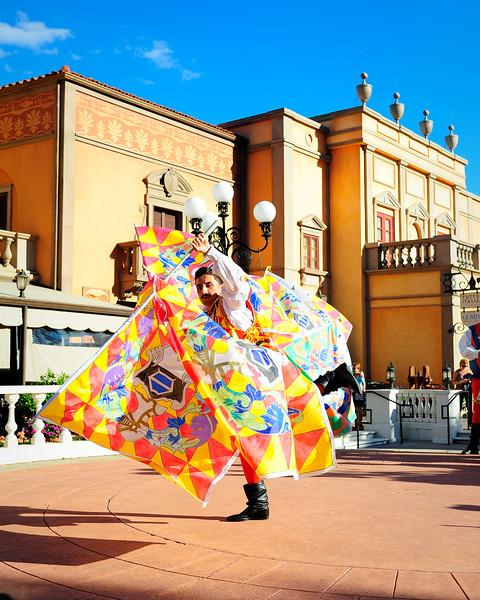 Walt Disney World 1/ 1000s, at f/4 || E.Comp:-6 / 6 || 40mm || WB: AUTO 0. || ISO: 200 || Tone:  || Sharp:  || Camera: NIKON D700on: 2014:10:16 16:56:47