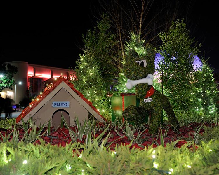 Walt Disney World, Pixelmania 2010 2s, at f/3.3    E.Comp:0    42mm    WB: INCANDESCENT 0.    ISO: 200    Tone:     Sharp:     Camera: NIKON D700on: 2010:12:03 23:35:53