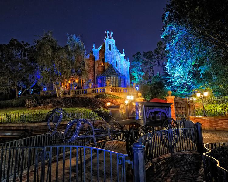 Walt Disney World 30s, at f/9.5    E.Comp:0    17mm    WB: INCANDESCENT 0.    ISO: 400    Tone:     Sharp:     Camera: NIKON D700on: 2010:01:02 22:44:46