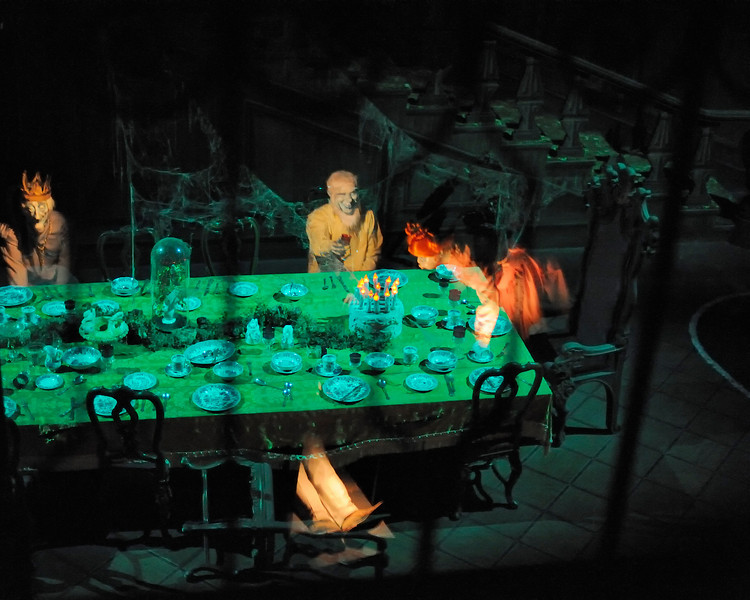 Walt Disney World 1/ 60s, at f/1.4 || E.Comp:0 || 50mm || WB: AUTO 0. || ISO: 6400 || Tone:  || Sharp:  || Camera: NIKON D700on: 2010:01:02 09:25:31