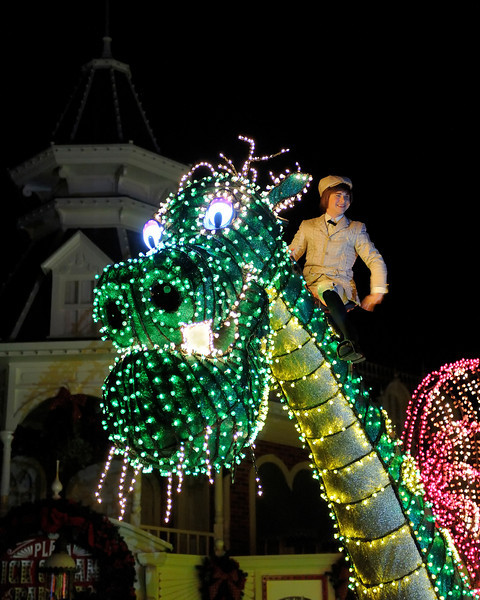Walt Disney World, Pixelmania 2010 1/ 90s, at f/2.8 || E.Comp:0 || 56mm || WB: INCANDESCENT 0. || ISO: 4500 || Tone:  || Sharp:  || Camera: NIKON D700on: 2010:12:04 22:27:26