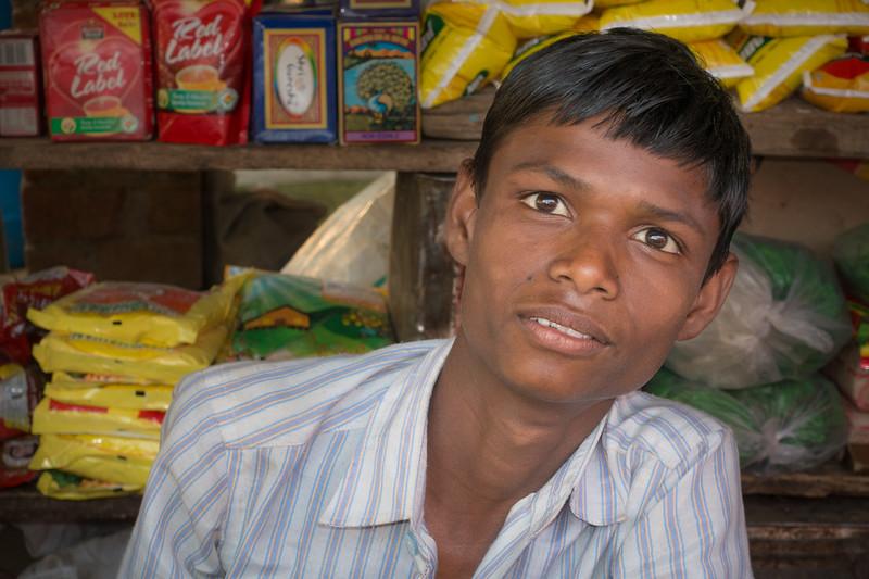 Sales Boy in Market 0130
