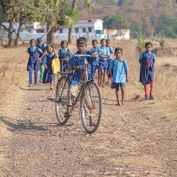 Big bike - Small Child 0305