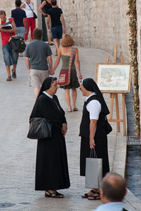 Nuns in Conversation