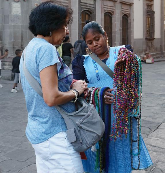 Street vendor, the Jardin, San Miguel de Allende