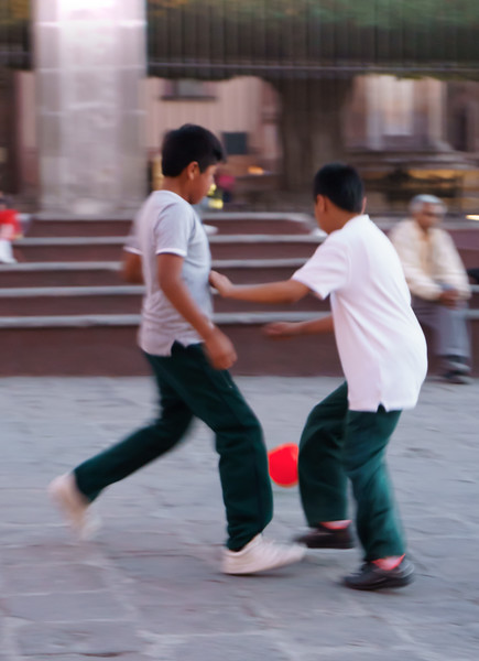 After school, kids from private church schools in San Miguel de Allende come to the Jardin to play.