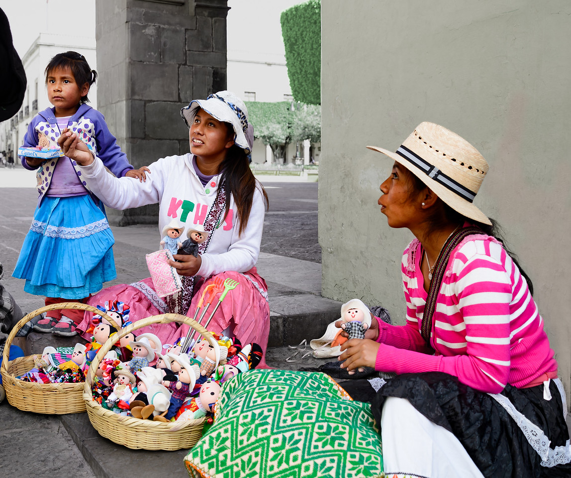 Street vendors in the historic center of Queretero City.
