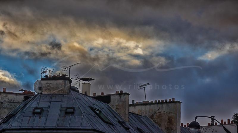 Le ciel et les cheminées | The sky and the chimneys