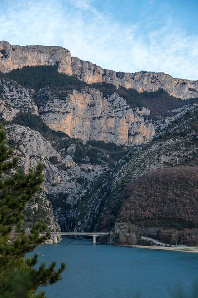 the lake Sainte-Croix at the end of the Verdon Gorge | le Lac de Sainte-Croix à la fin des Gorges du Verdon