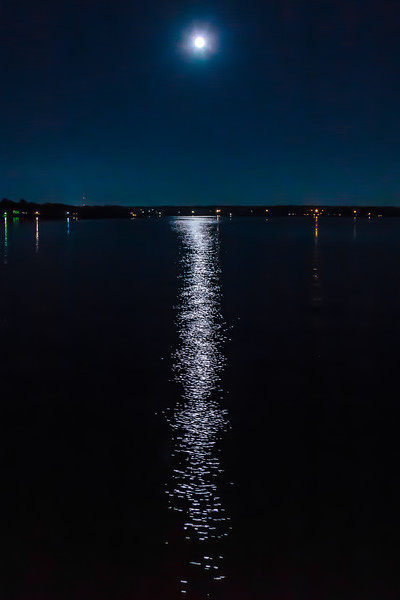 A Full Moon on the Lake