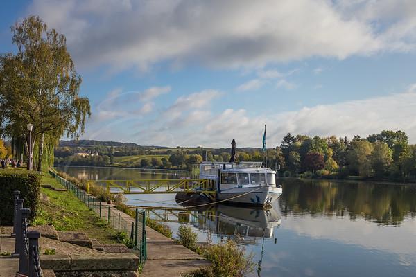 une promenade au bord de la Moselle   a walk along the Moselle