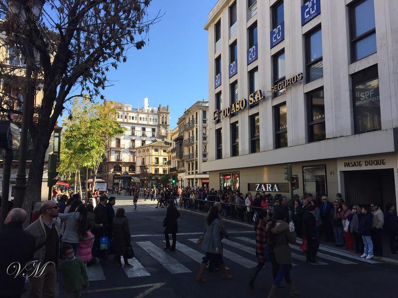 The shopping district of Sevilla next to the Plaza del Duque de la Victoria.