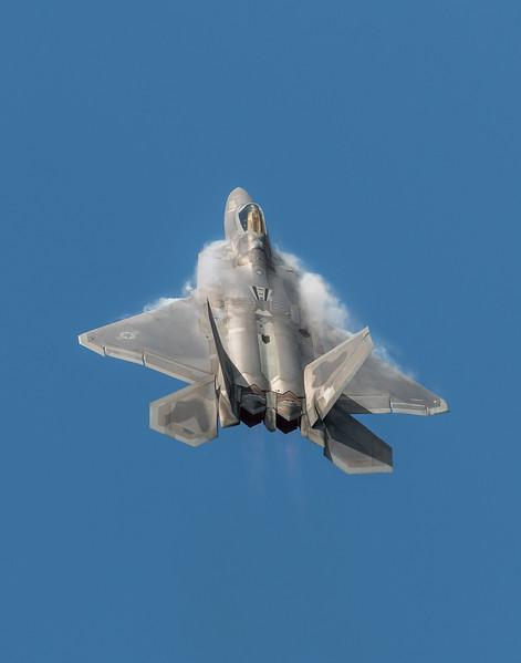 F-22 Vertical Climb