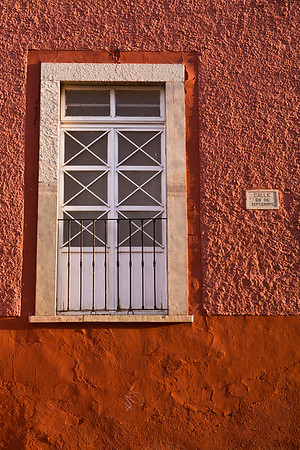 Colorful wall and doorway in Guanajuato