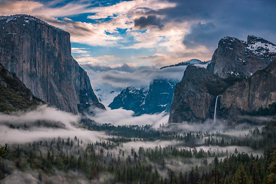 Foggy Sunrise in Yosemite