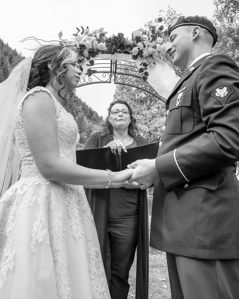 20181006-Benjamin_Peters_&_Evelyn_Calvillo_Wedding-Log_Haven_Utah (1157)LS2-2