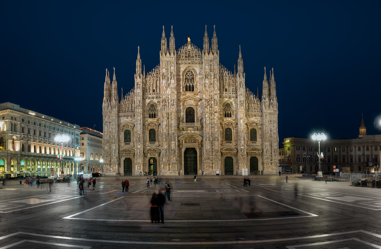 Central Piazza in Milano