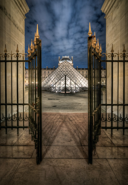 The Doors are closing at Louvre