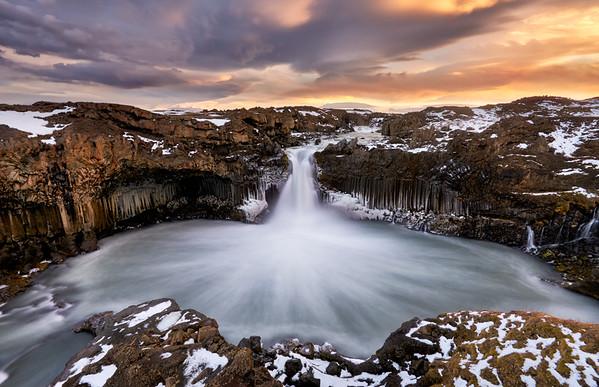 Winters Grasp || Iceland