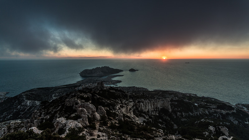 Sous le brouillard (Format 16:9 Disponible 30/30)
