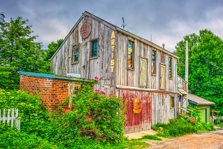 Hollyhock Alley, Hermann, MO