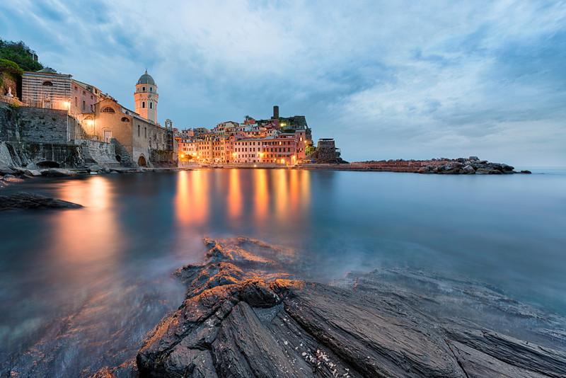 The Sea's Embrace || Vernazza (Cinque Terre) Italy