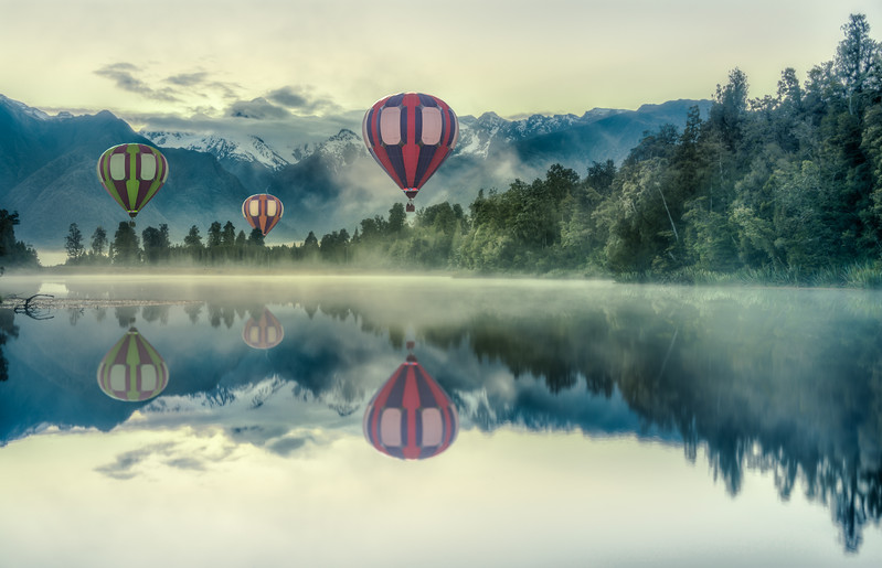 Balloons over Lake Matheson