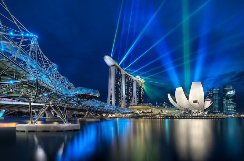 Marina Bay Sands and The Helix Bridge    Singapore