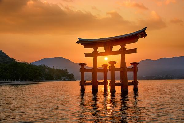 Floating on Light    Itsukushima Japan