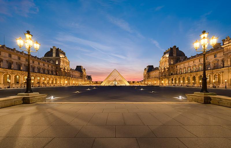 The Louvre || Paris France