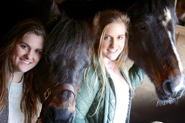 Sarah, Lauren and ponies 14-02-02 1471