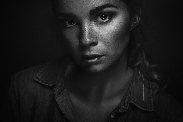NATURAL LIGHT PORTRAIT Fotograf: Daniel Rödel