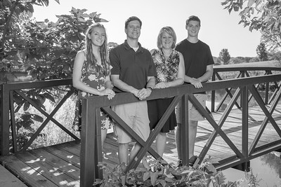 Garney-Family B&W (July 2018)-08 (Edited)