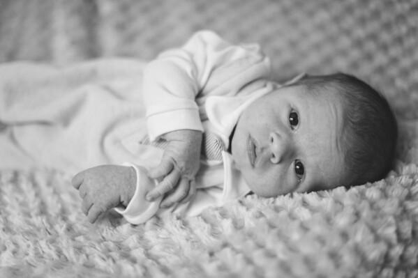 Newborn-0008_bw