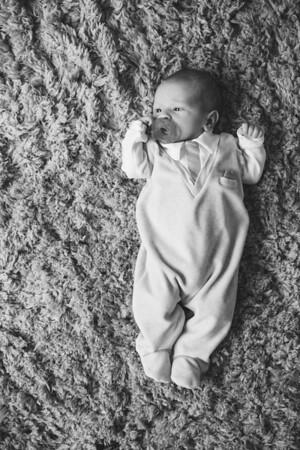 Newborn-0001_bw