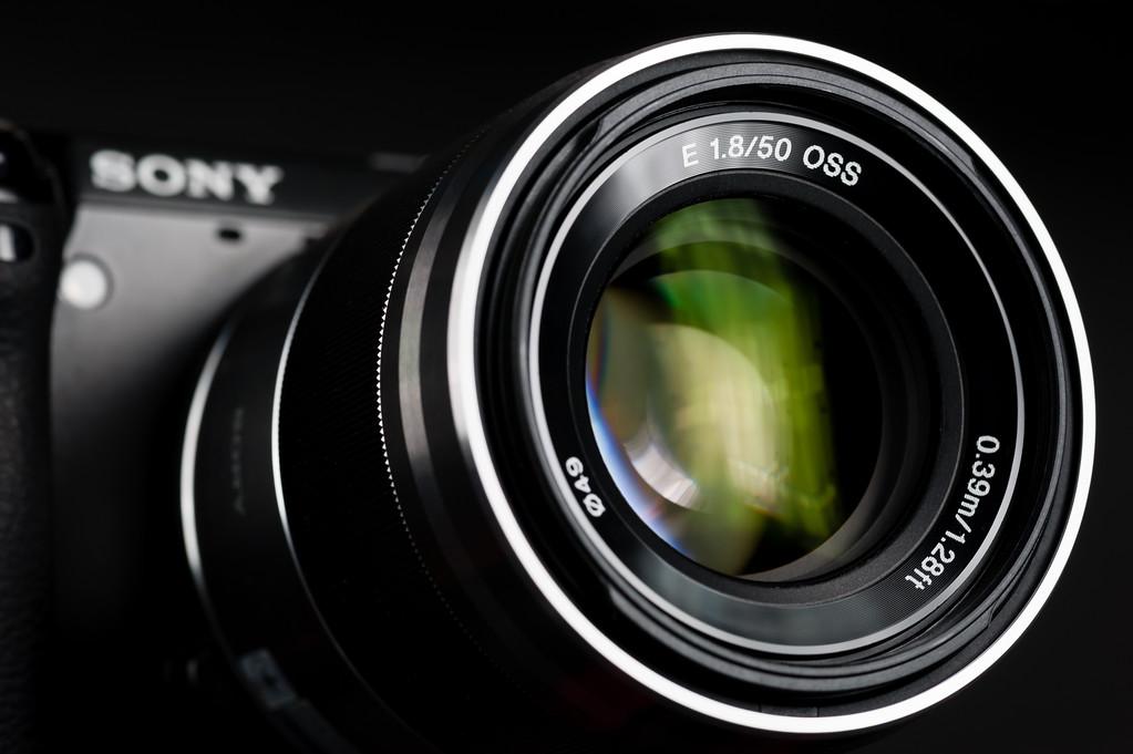 Sony E 50mm f/1.8 OSS