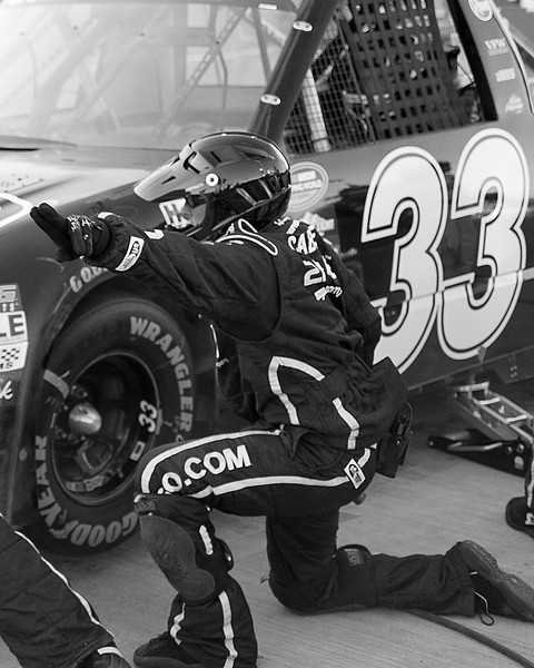 Hornaday's Team signals ready to go after pit stop at Talladega's Mountain Dew 250.