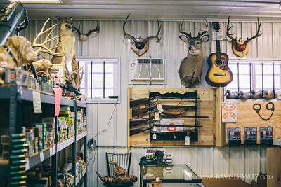 Chicago Bobs Gun Shop - Augusta WI - Deer Mounts