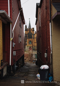 braddock_pa_church_alley_way