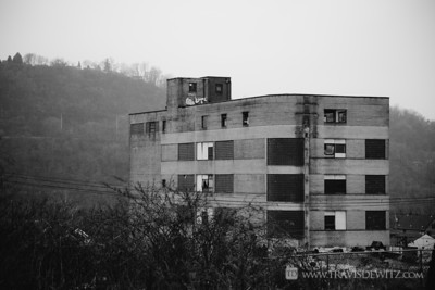 braddock_large_abandoned_building