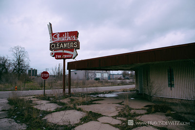 gary_smiths_cleaners_abandoned