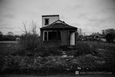 gary_lone_abandoned_house