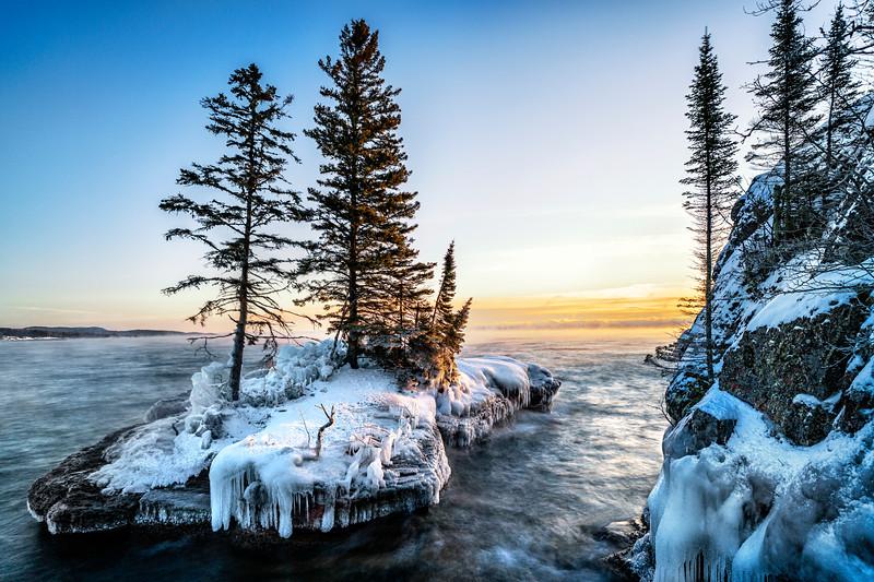 Sunrise-on-Lake-Superior-Island