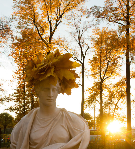 wreath of leaves as a sculpture crown