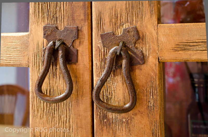 The lovely scrubbed pine furniture theme with these lovely rustic handles carried on throughout the cottage.