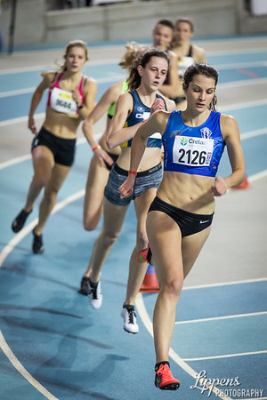 Delphine Gillet leads in 400m Women AC Heat 4