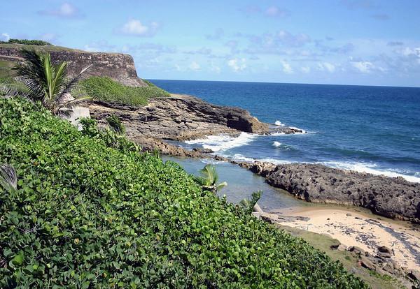 Caribbean coastline, north of the Castillo de San Cristabol (St. Christopher Castle)