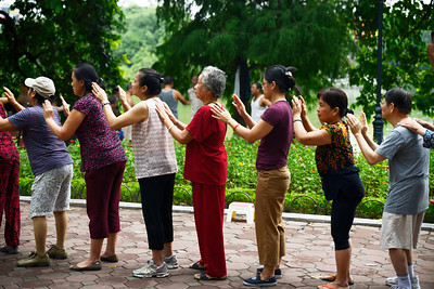 Morning Exercises Around Hoam Kiem Lake , Hanoi
