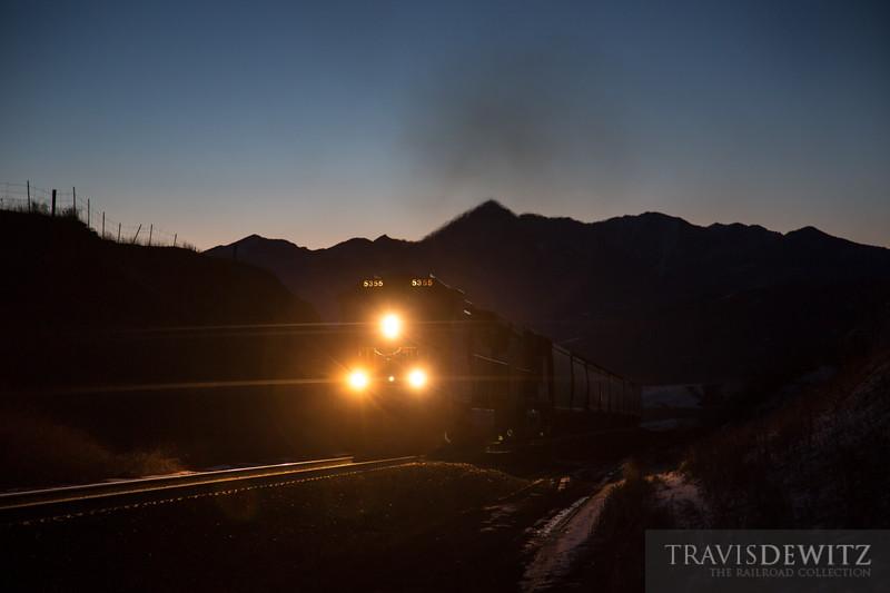 bnsf_5355_bozeman_pass_dawn_mountain_backdrop